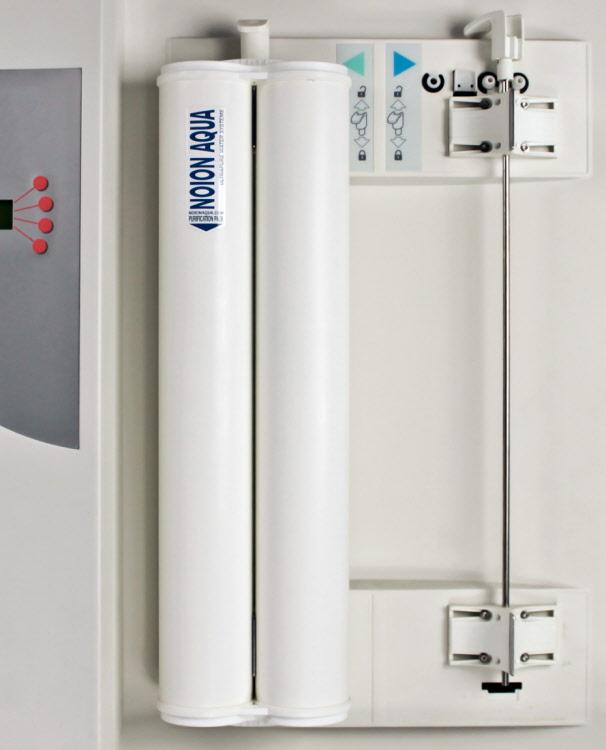 e 35 70 100 rh noionaqua com Millipore Water Purification Millipore Water Purification System